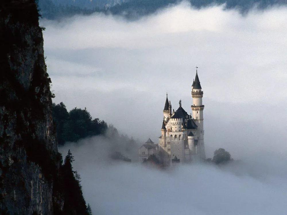 Нойшванштайн в туман