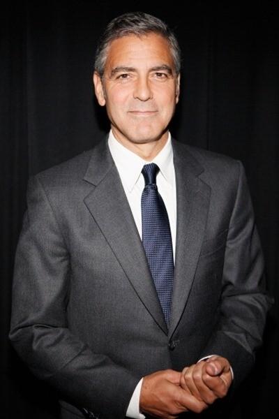 Клуни в галстуке
