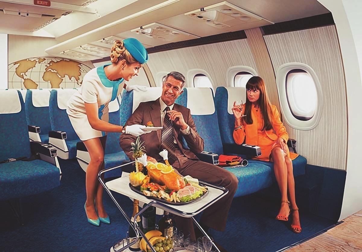 Стюардесса и пассажиры в бизнес-джете