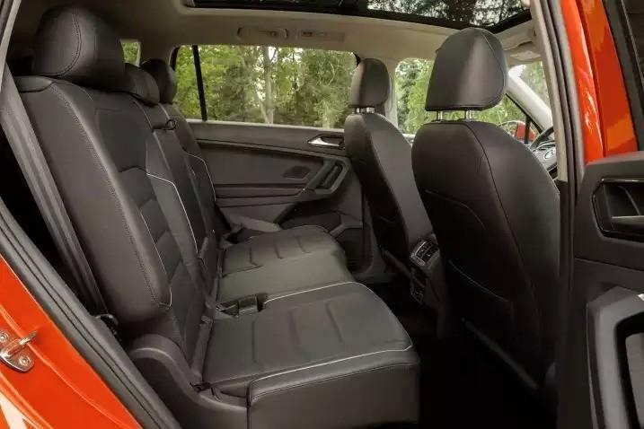 Фольксваген Тигуан с пассажирской двери