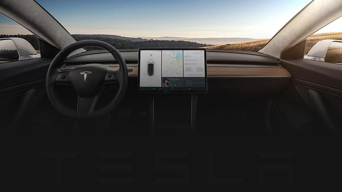 Беспилотный автомобиль Тесла