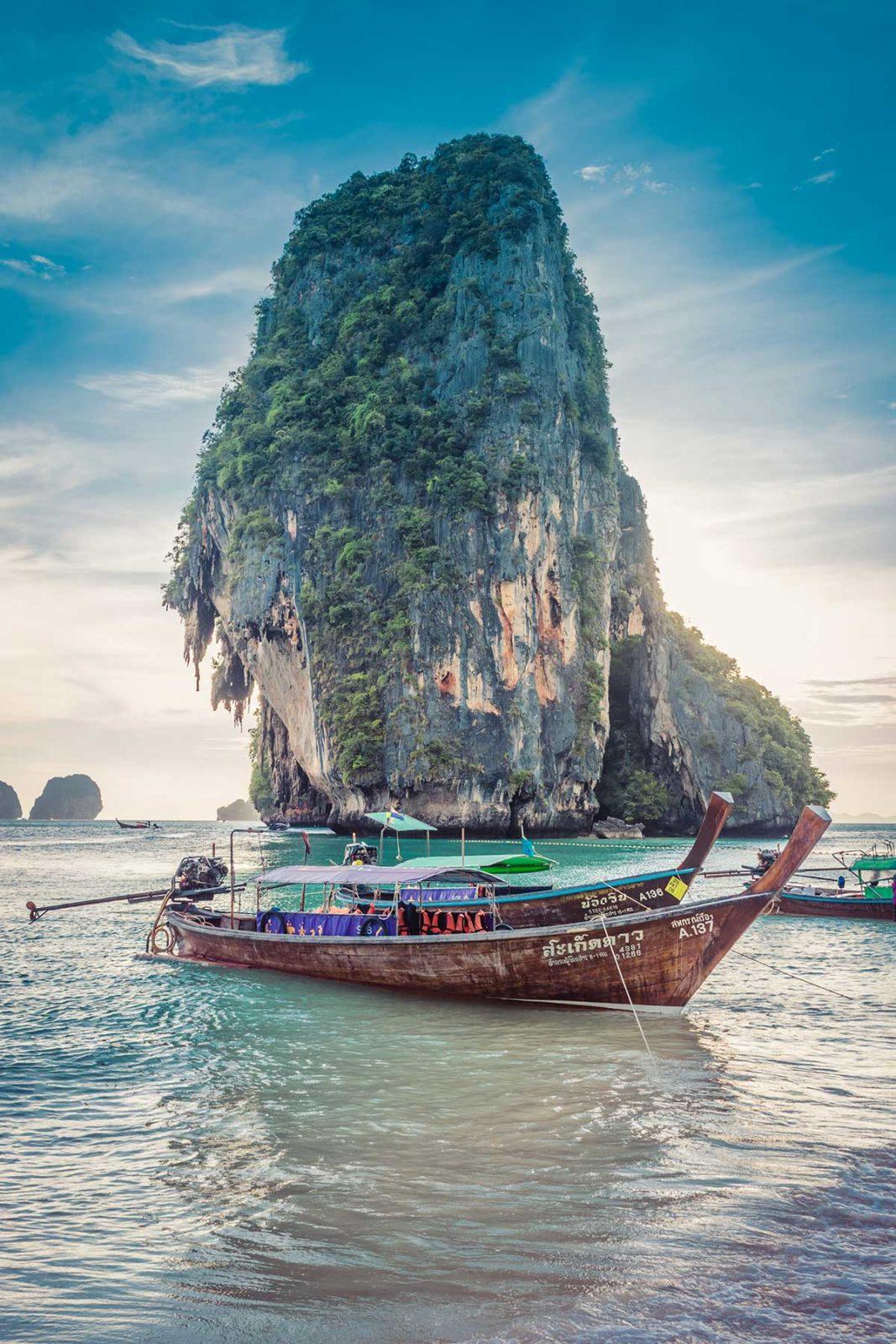 Каменный остров в Таиланде