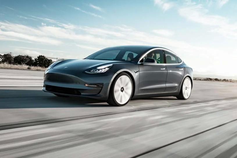 Tesla Model 3 Performance Sedan