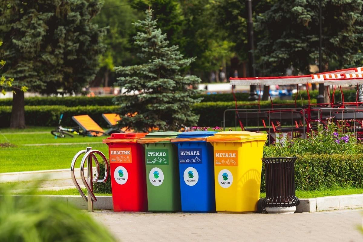 Баки для сортировки мусора в Москве