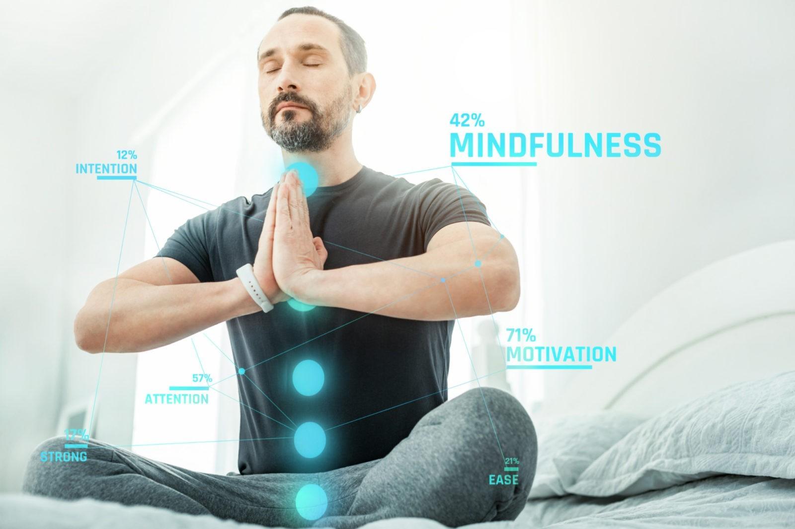 Биохакер медитирует