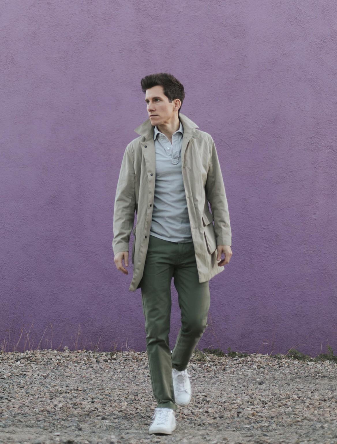 Сочетание контрастного и яркого цвета в одежде